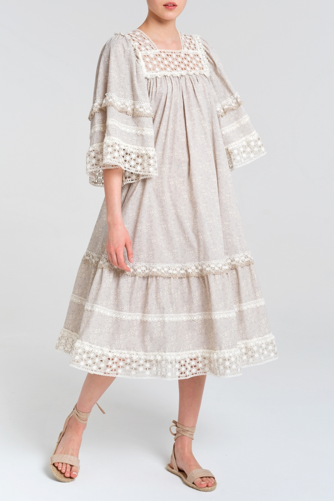 Batiste dress with lace